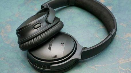 CNET has picked Bose QuietComfort 35 II as