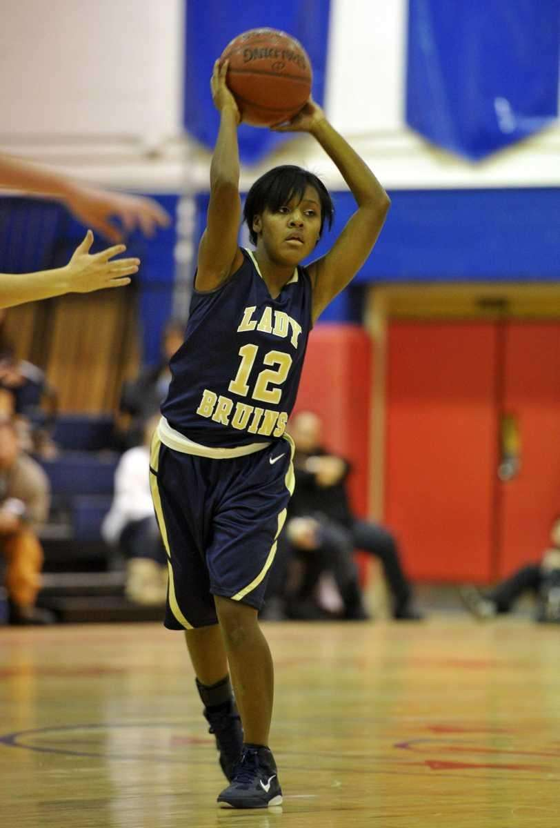 Baldwin Lady Bruins junior point guard Ashley Sobel