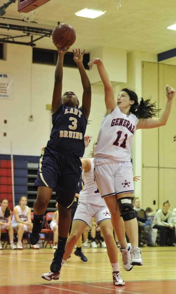 Baldwin Lady Bruins junior point guard Amber Harrison