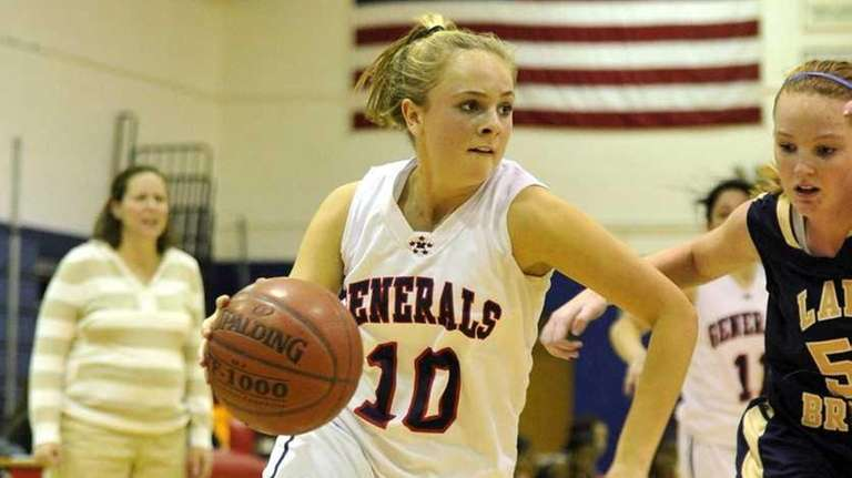 MacArthur Lady Generals sophomore point guard Courtney Noakes