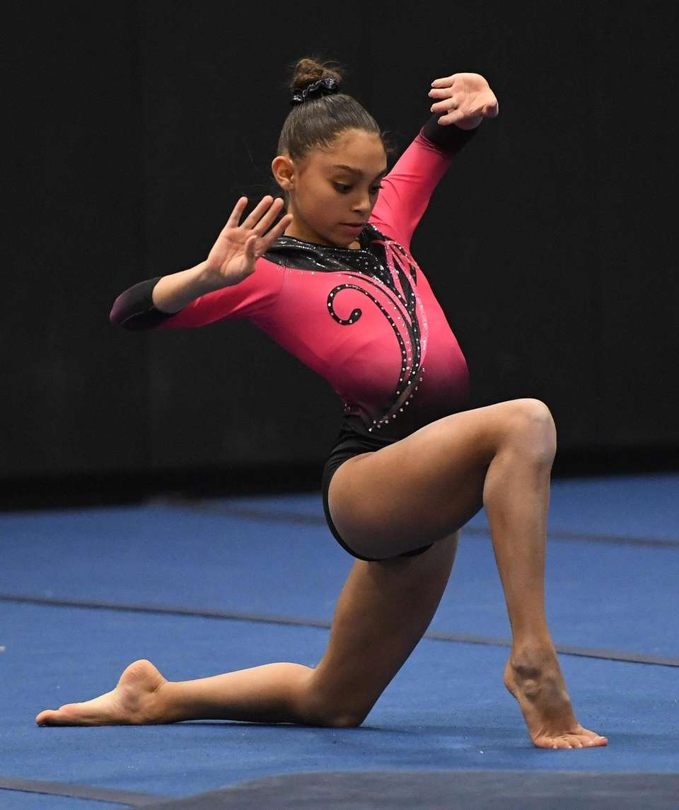 Syosset's Jenna Kolberg competes in the floor exercise