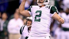 Jets kicker Nick Folk (2) and holder Steve