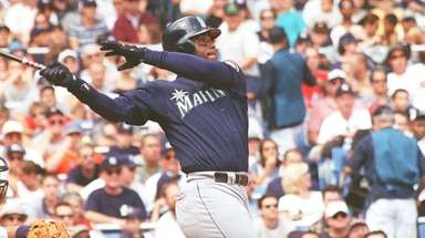 Seattle's Ken Griffey Jr. homers at Yankee Stadium