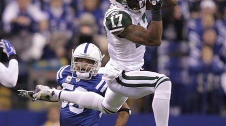 Jets wide receiver Braylon Edwards makes a catch