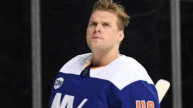 The Islanders' Robin Lehner gave up only one