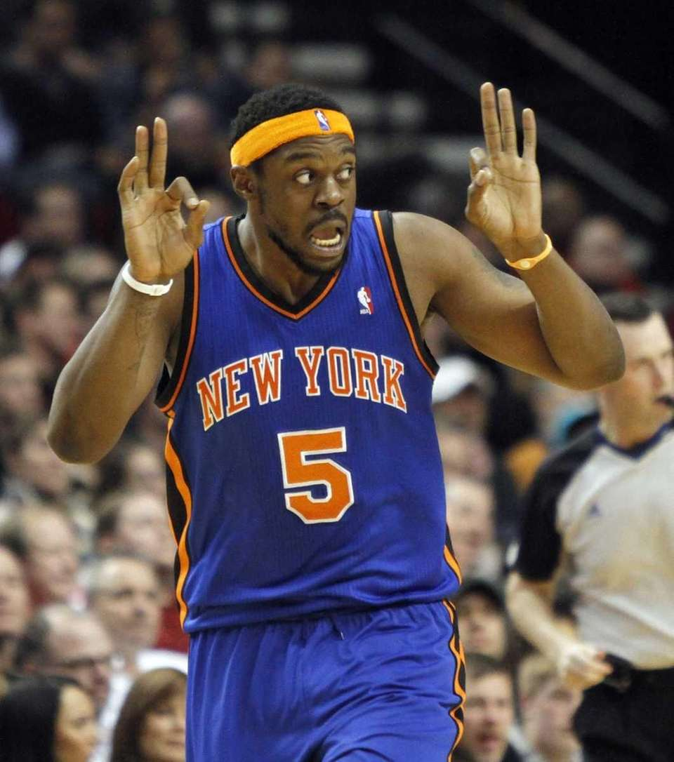 New York Knicks forward Bill Walker reacts after