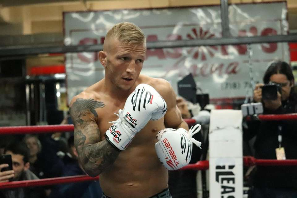 UFC bantamweight champion TJ Dillashaw works out at
