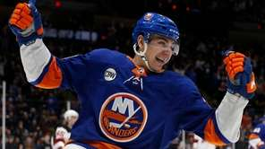 Michael Dal Colle of the NewIslanders celebrates his