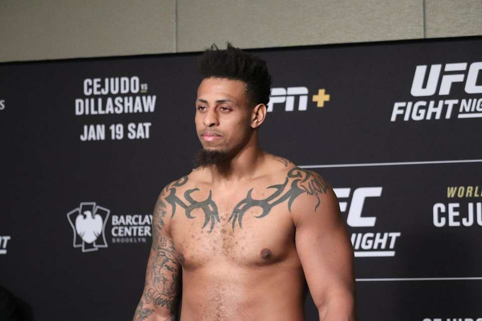 Greg Hardy weighs in ahead of UFC Brooklyn