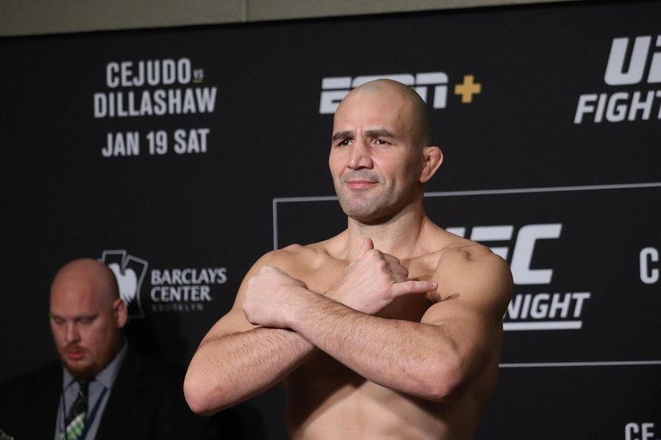 Glover Teixeira weighs in ahead of UFC Brooklyn
