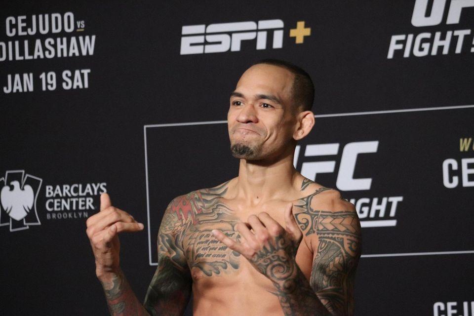Yancy Medeiros weighs in ahead of UFC Brooklyn
