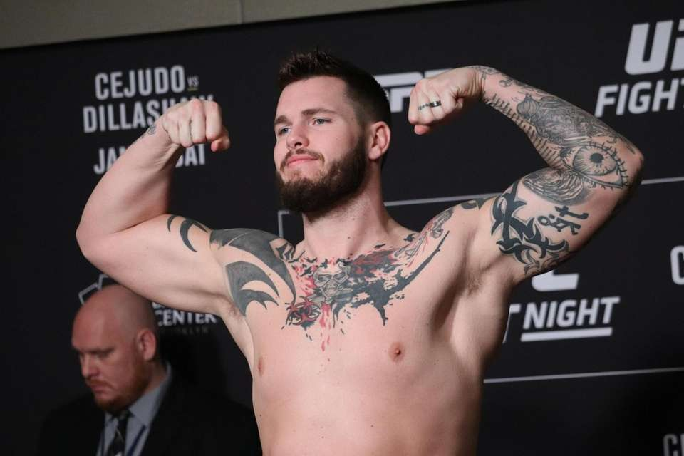 Allen Crowder weighs in ahead of UFC Brooklyn