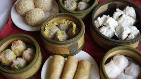Visitors get to sample dim sum on Gray