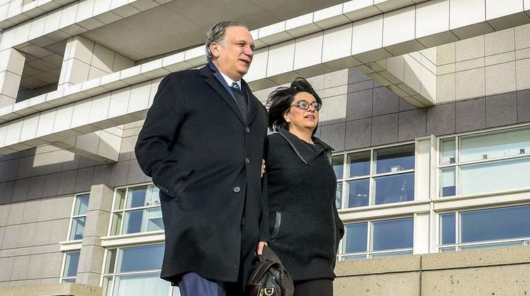 Witness To Corruption Merchants Of >> Edward And Linda Mangano Head For Corruption Retrial Tuesday Newsday