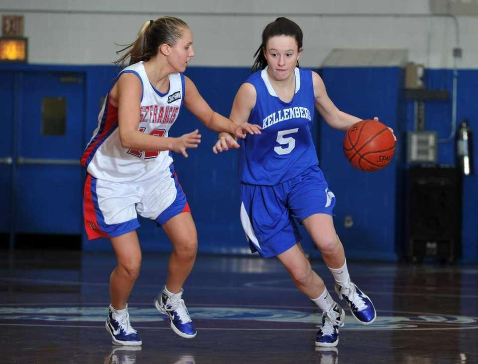 Kellenberg senior point guard Kathryn Flynn (5) controls