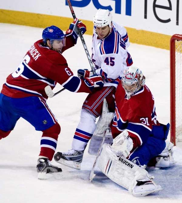 Montreal Canadiens goaltender Carey Price (31) makes a