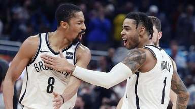 Brooklyn Nets guards Spencer Dinwiddie (8) and D'Angelo