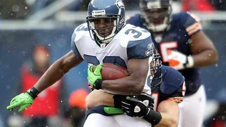 Leon Washington #33 of the Seattle Seahawks is
