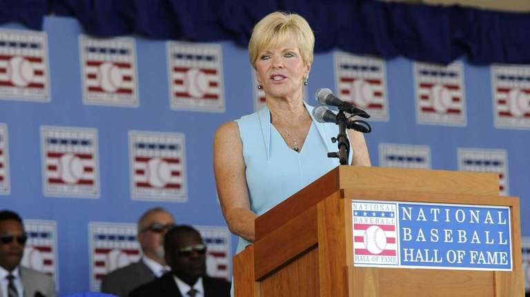 Vicki Santo, widow of star Chicago Cubs third
