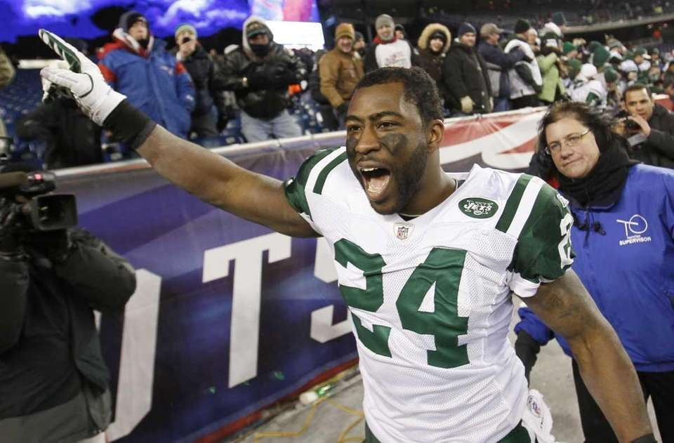 New York Jets cornerback Darrelle Revis celebrates his