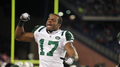 Braylon Edwards celebrates after the Jets defeated the