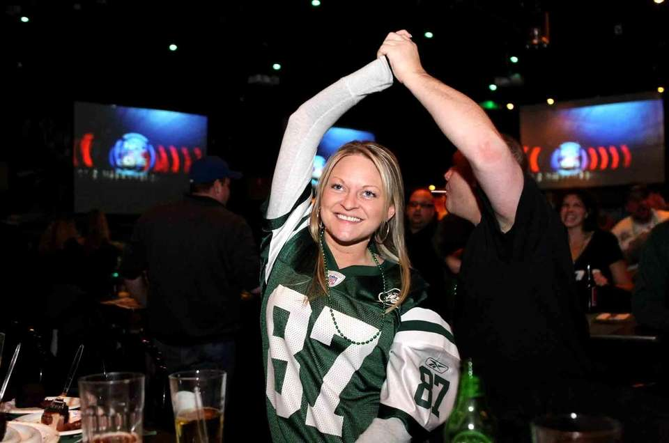 New York Jets fan Katie Luft of Freeport