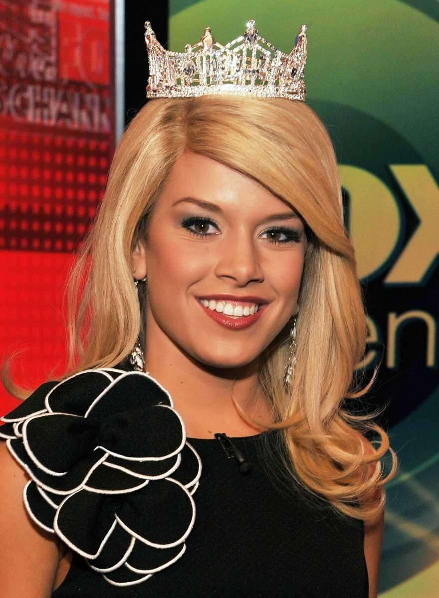 Miss America 2011 Teresa Scanlan visits