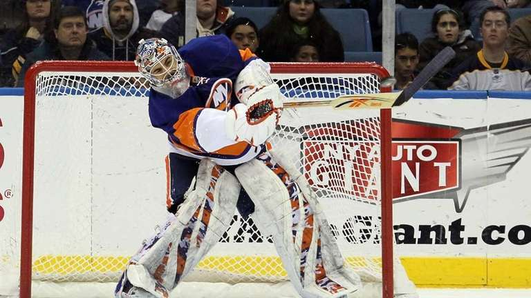 Islanders goalie Rick DiPietro in action during the