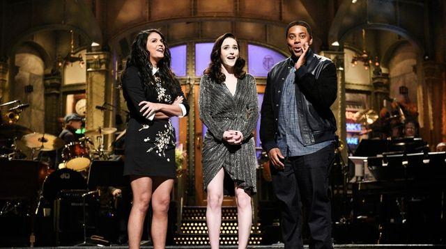 Cecily Strong, left, host Rachel Brosnahan, and Kenan