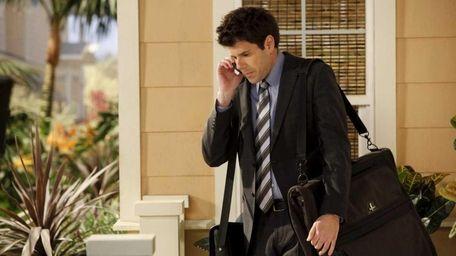 David (Johnathan McClain) convinces his boss that he