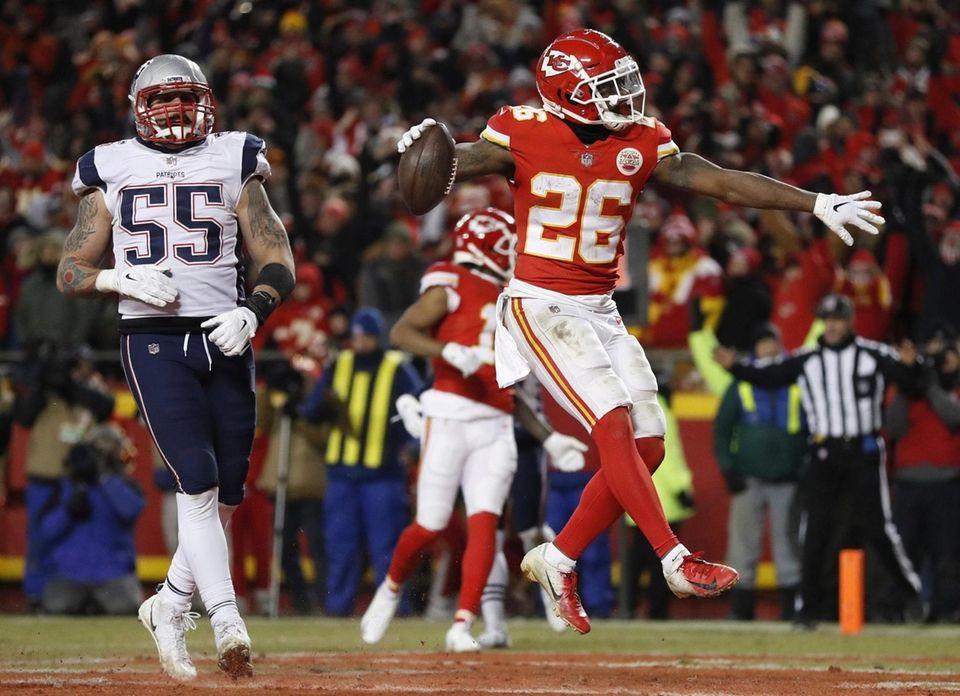 Kansas City Chiefs running back Damien Williams (26)