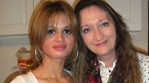 Shannan Gilbert, left, with her aunt Lori Grove