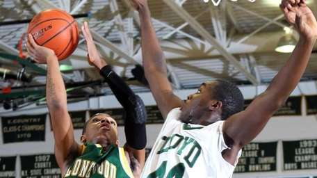Longwood's Tayquan Mayo (3) with the jumper over