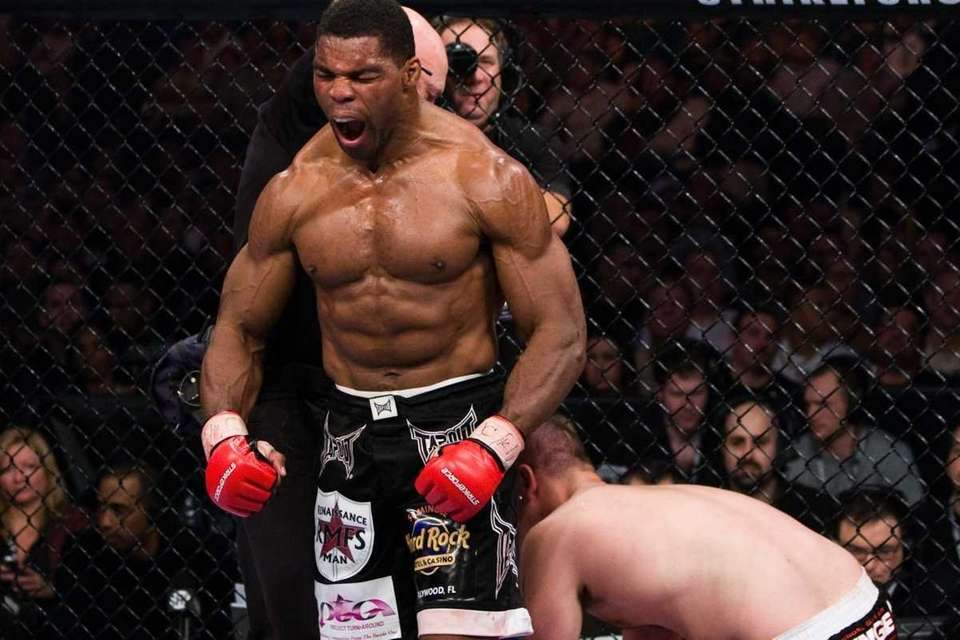 Herschel Walker won a third-round TKO over Greg