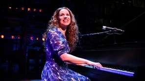 "Chilina Kennedy stars as Carole King in ""Beautiful"""