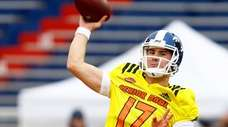 North quarterback Daniel Jones of Duke (17) throws