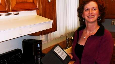 Holtsville mom brings her recipes to Kindle.