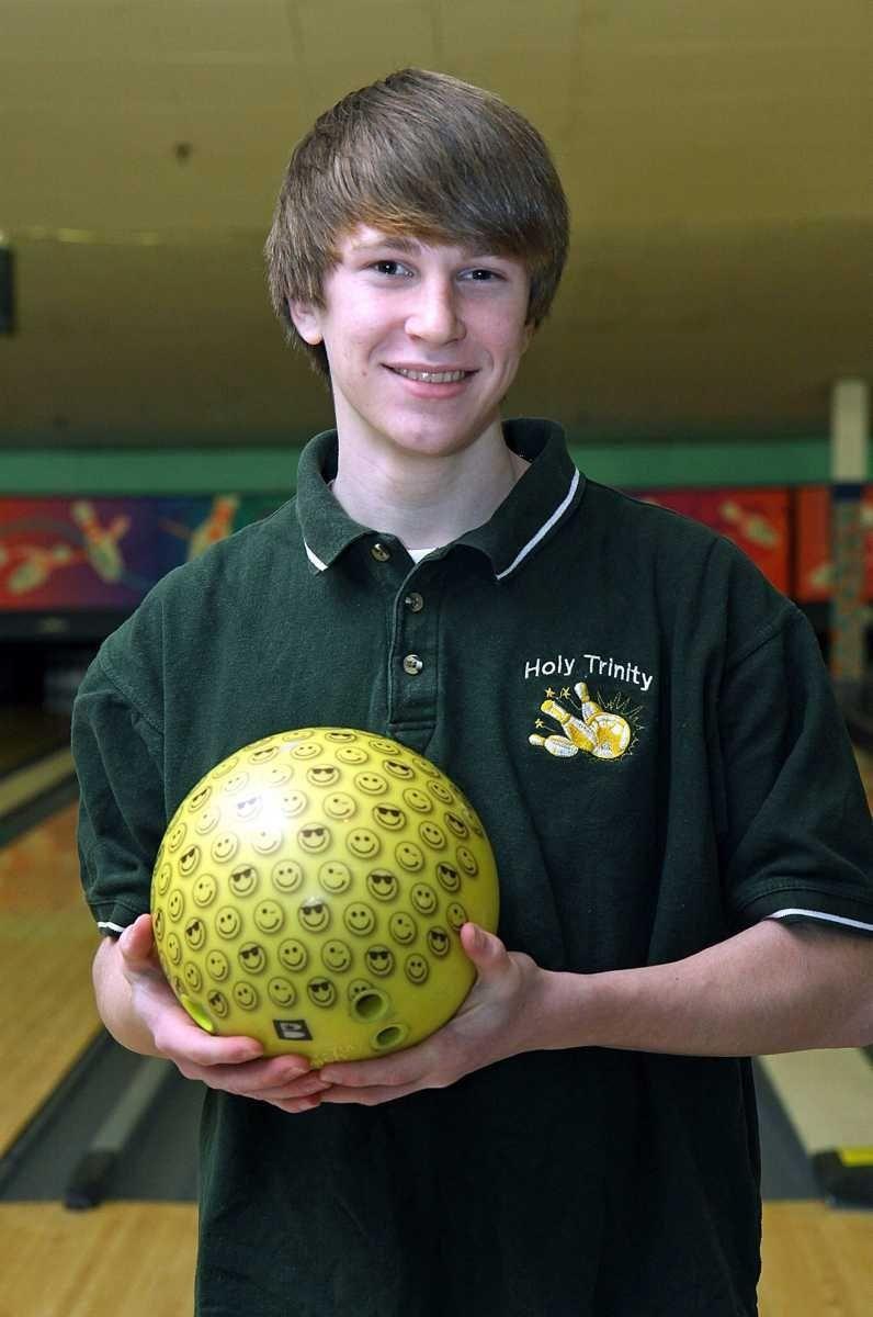 Holy Trinity bowler Tom Jakubowsk. (Jan. 21, 2011)