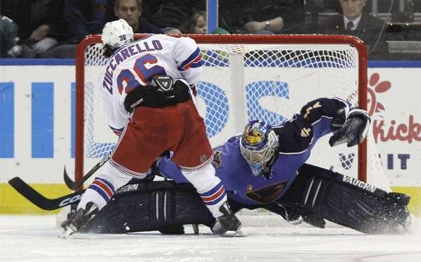 New York Rangers right wing Mats Zuccarello (36)
