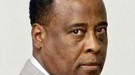 Michael Jackson's physician, Conrad Murray arrives for his