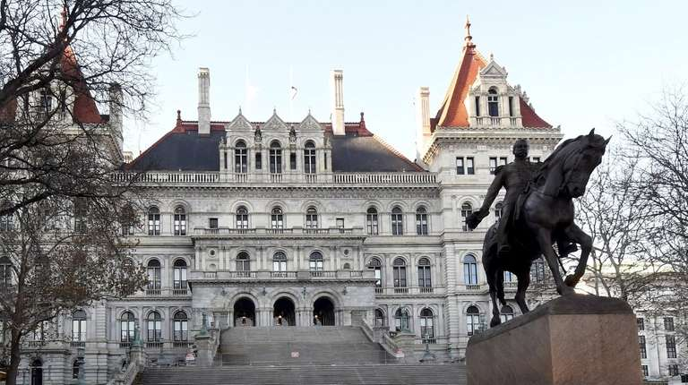 Exterior view of the New York State Capitol