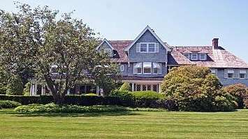 This East Hampton mansion sold for $25.5 million,