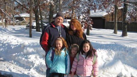 Dan and Rosa DiSalvo waited with daughter Daniella,
