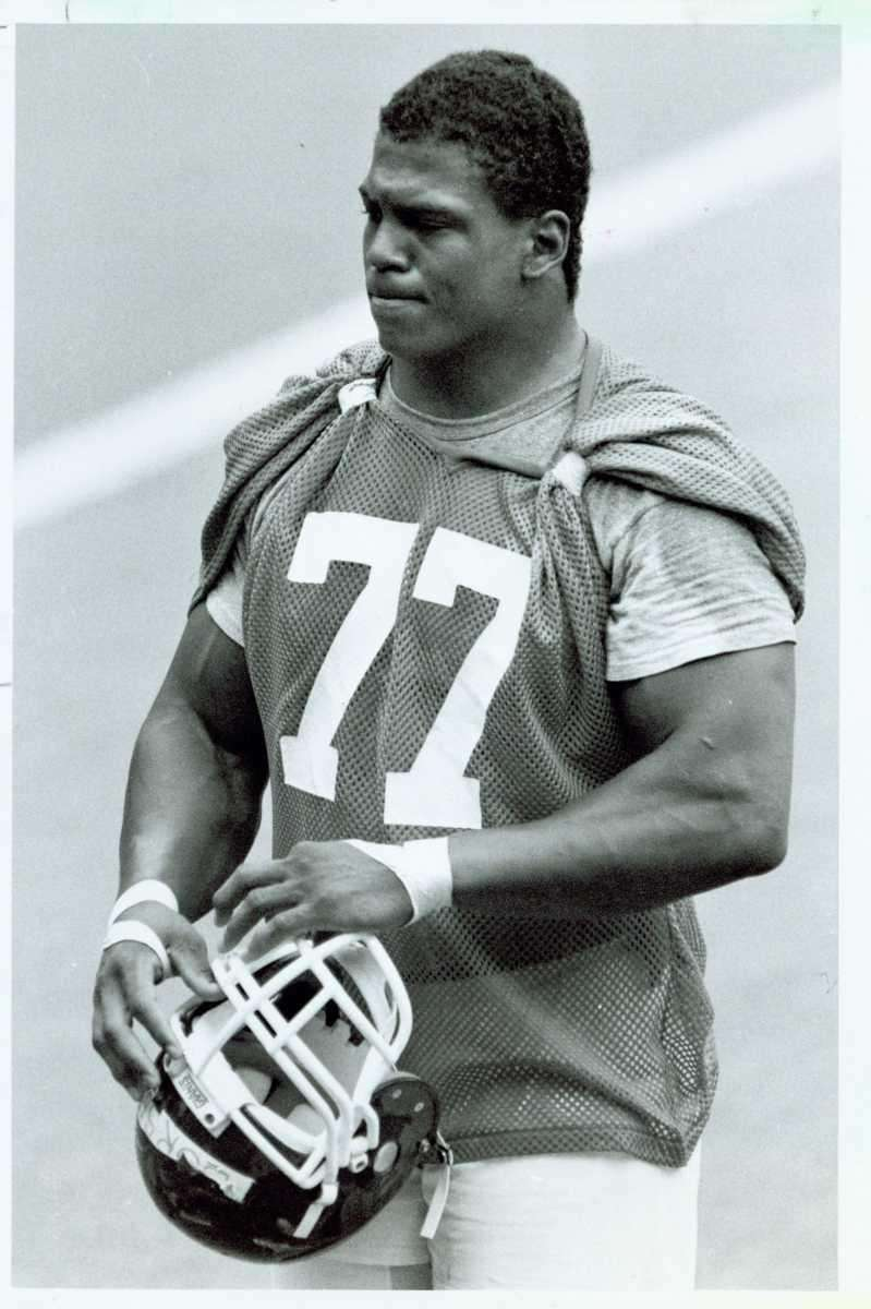 1986: ERIC DORSEY, Defensive end, Notre Dame Drafted: