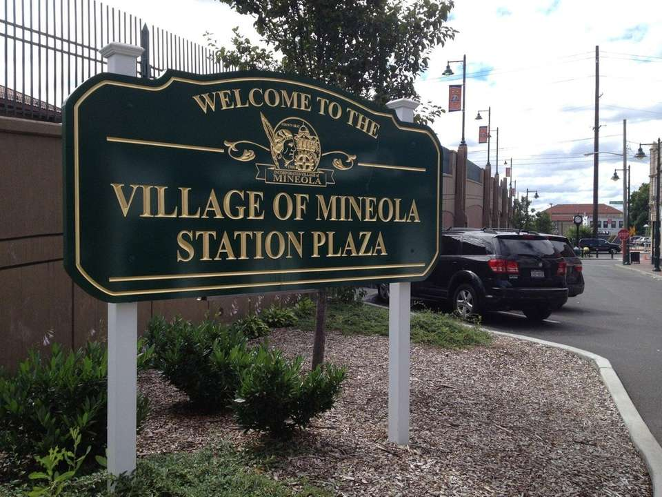 In 1858, the land now known as Mineola