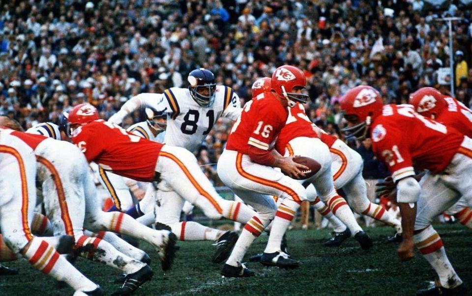 Super Bowl won: Super Bowl IV Len Dawson