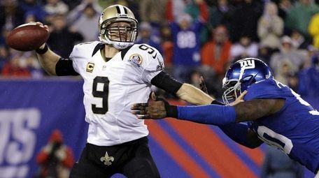 New Orleans Saints quarterback Drew Brees (9) attempts