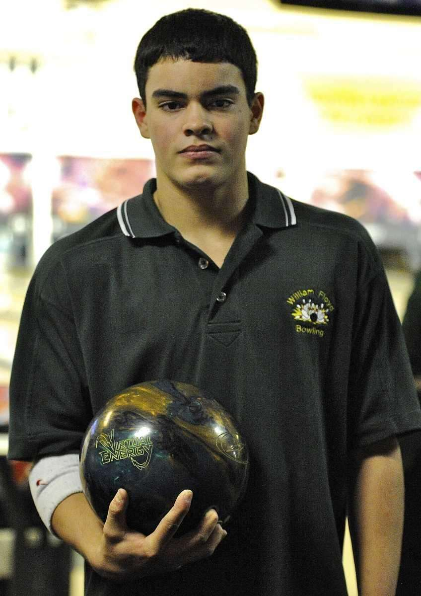 William Floyd's Jorge Ruiz bowled a perfect score