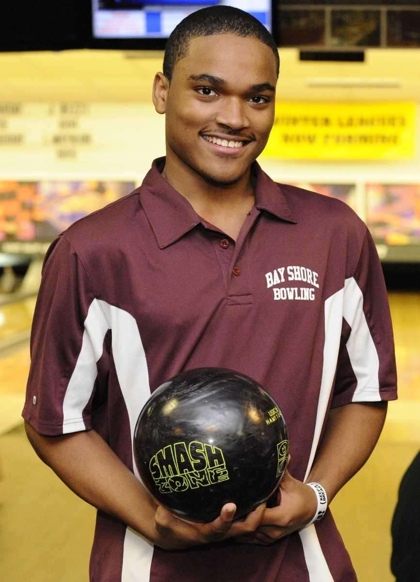 Bay Shore's Valone Saunds bowled a perfect 300