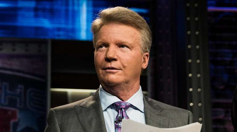 """Phil Simms on the set of Showtime's """"Inside"""